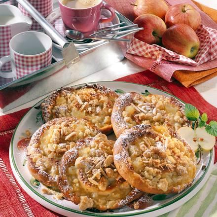 Apfel-Schnecken mit Butter-Streuseln Rezept