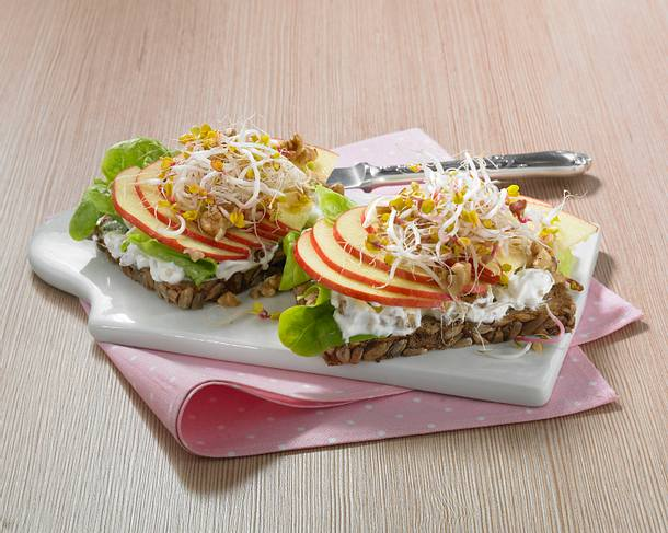 Apfel-Walnussbrot (Diät) Rezept
