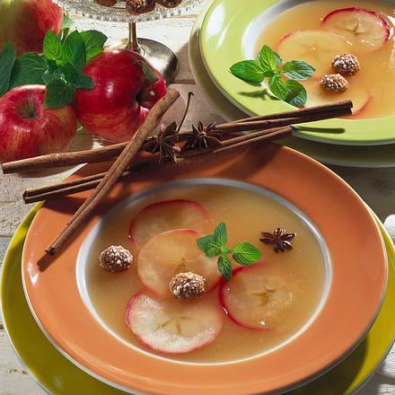Apfel-Wein-Suppe Rezept