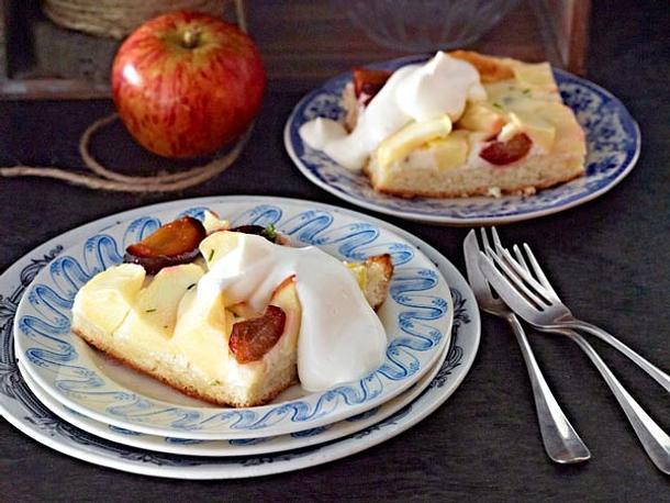 Apfel-Zwetschen-Schnitten Rezept