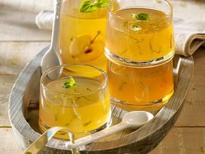 Apfelgelee mit Zitronenmelisse Rezept
