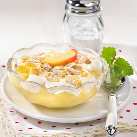 Apfelkompott mit Vanille-Schmand Rezept