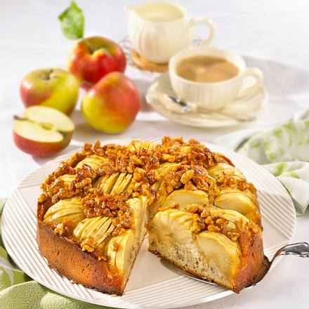 Apfelkuchen mit Calvados-Nusskrokant Rezept
