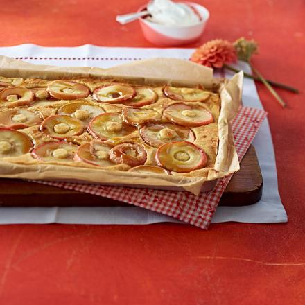 apfelkuchen mit karamell rezept chefkoch rezepte auf kochen backen und schnelle. Black Bedroom Furniture Sets. Home Design Ideas