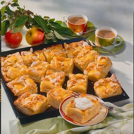 Apfelkuchen mit Marzipan-Guss Rezept