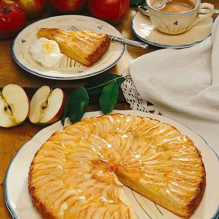 Apfelkuchen mit Marzipanteig Rezept