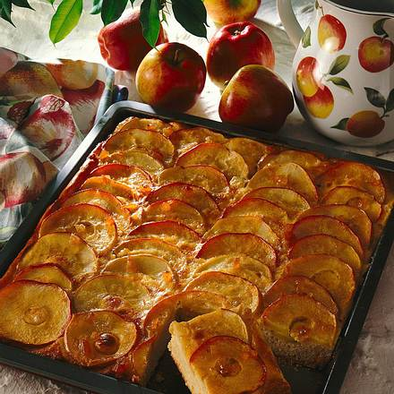 Apfelkuchen mit Sahne- Ingwerguss Rezept
