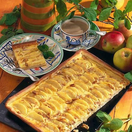 Apfelkuchen mit Schmand Rezept