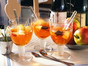 Apfelpunsch mit Cidre, Portwein und Zimt Rezept