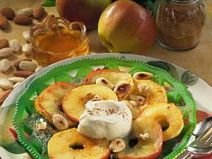 Apfelringe mit Honig und Mandeln Rezept