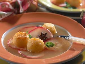 Apfelsuppe mit gebratenen Zimt-Kartoffel-Klößchen Rezept