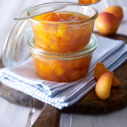 Aprikosen-Amaretto-Konfitüre Rezept