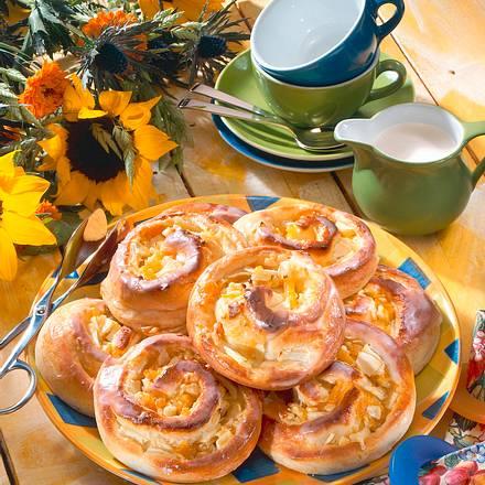 Aprikosen-Apfel-Schnecken Rezept
