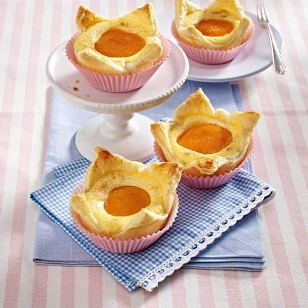 Aprikosen-Blätterteig-Törtchen aus der Muffinform Rezept