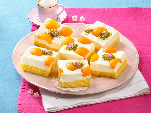 Aprikosen-Joghurt-Blechkuchen Rezept