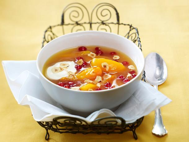 Aprikosen-Kaltschale mit Marzipan-Joghurt Rezept