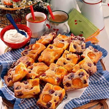 Aprikosen-Kirsch-Kuchen Rezept