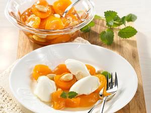 Aprikosen-Kompott mit Topfen-Nocken Rezept