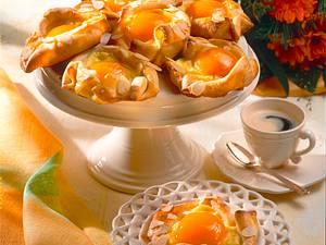 Aprikosen-Mandel-Teilchen Rezept