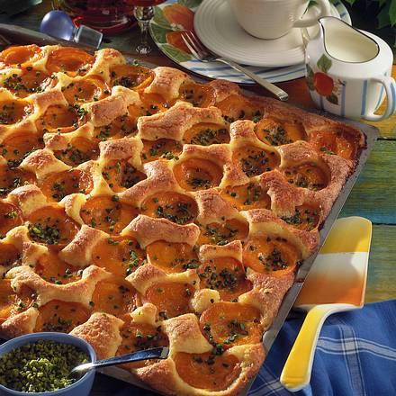 Aprikosen-Marzipan-Kuchen Rezept