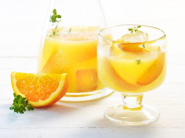 Aprikosen-Orangen-Wasser mit Thymian Rezept