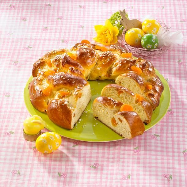 Aprikosen-Osterhefekranz Rezept