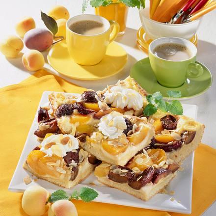 Aprikosen-Pflaumen-Kuchen mit Mandeln Rezept