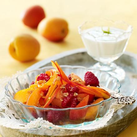 aprikosen salat mit haferflocken krokant und limetten joghurt rezept chefkoch rezepte auf. Black Bedroom Furniture Sets. Home Design Ideas