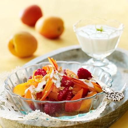 aprikosen salat mit haferflocken krokant und limetten joghurt rezept. Black Bedroom Furniture Sets. Home Design Ideas