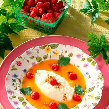 Aprikosenkaltschale mit Milchreis Rezept