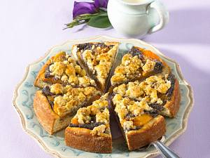 Aprikosenkuchen mit Mohnstreusel Rezept