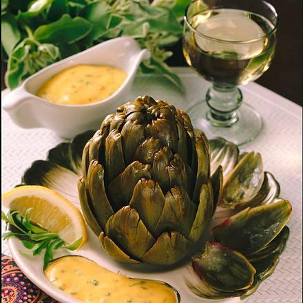 Artischocken mit Estragon-Hollandaise Rezept