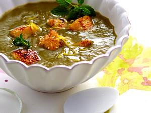 Artischocken-Spinatsuppe mit gebratenem Sesam-Fisch Rezept
