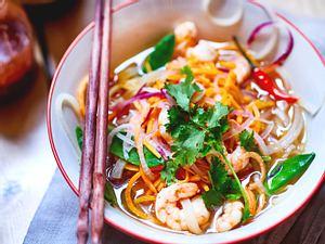 Asia-Gemüsesuppe mit Garnelen Rezept