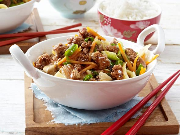 Asia-Hack-Pfanne mit Ingwer, Austernpilzen und Gemüse Rezept