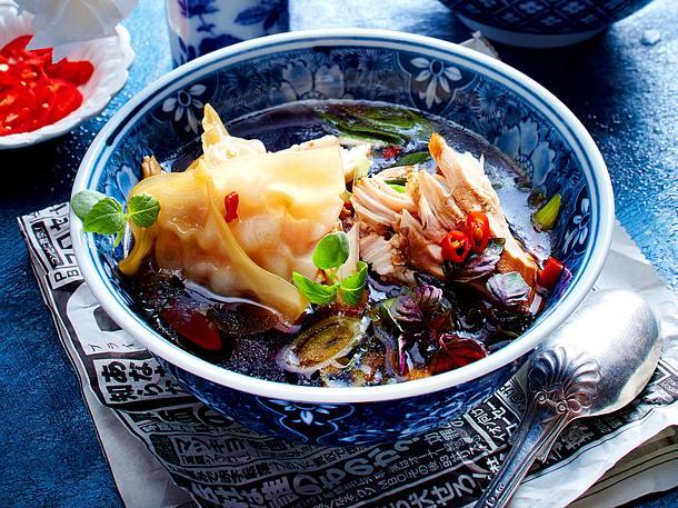 Asia-Hühnersuppe mit Garnelen-Dim-Sum Rezept