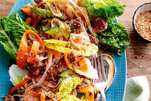Asia-Reisnudel-Salat mit Lammfilet Rezept