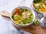 Asia-Suppe mit klugem Ei-Pochier-Prinzip Rezept