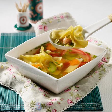 Asiasuppe mit Garnelen-Wan Tan Rezept