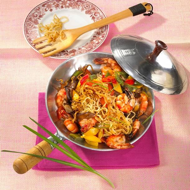 Asiatische Bratnudeln mit Garnelen Rezept