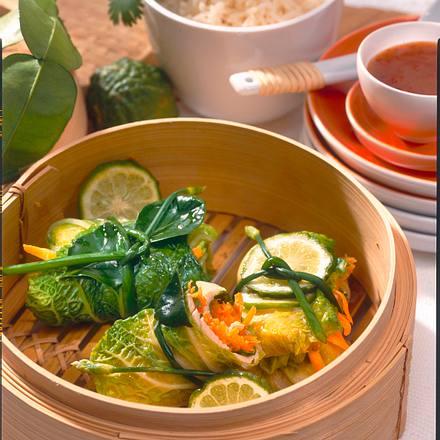 Asiatische Chinakohlröllchen Rezept