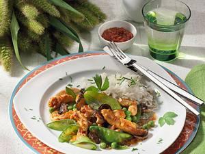 Asiatische Hähnchenpfanne mit Zuckerschoten Rezept