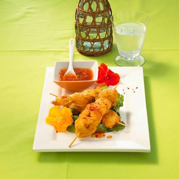 Asiatische Nudelspieße auf Spinat Rezept