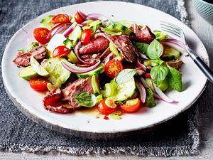 Rindfleischsalat mit Kirschtomaten Rezept