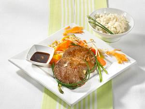 Asiatisches Steak zu Ingwer-Möhrengemüse Rezept