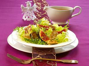 Austernpilze und Feigen auf Friséesalat Rezept