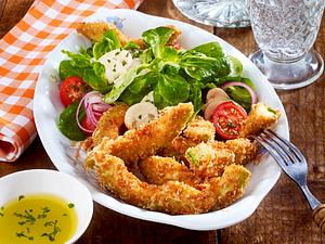 Avocado-Fries mit buntem Salat Rezept