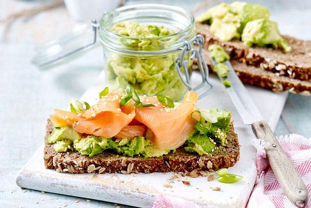 Avocado-Lachs-Brot Rezept