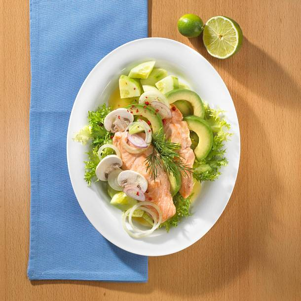 avocado lachs salat mit rotweindressing trennkost rezept chefkoch rezepte auf. Black Bedroom Furniture Sets. Home Design Ideas