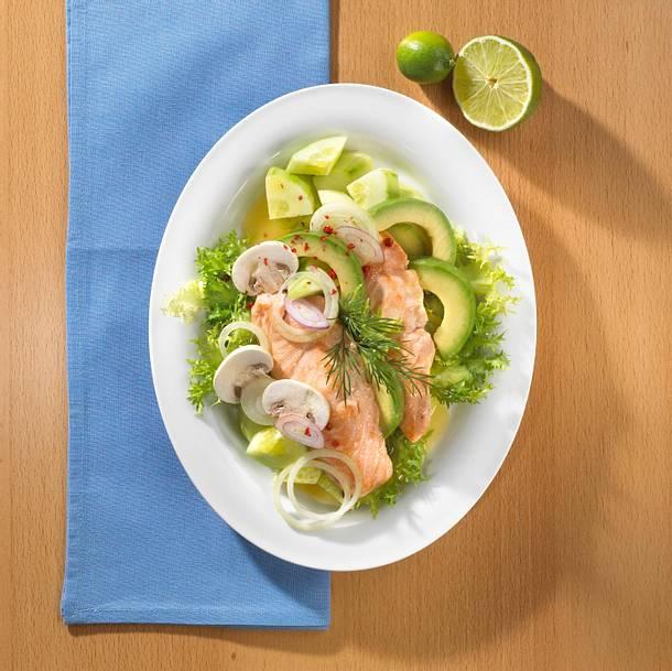 Avocado Lachs Salat mit Rotweindressing (Trennkost) Rezept